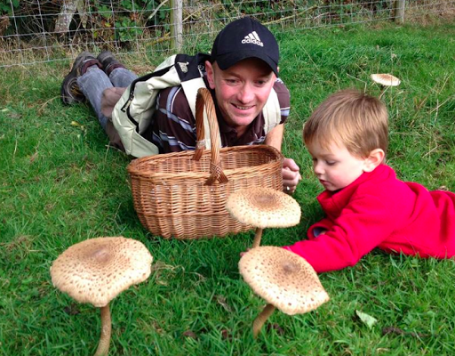Foraging builds lasting relationships