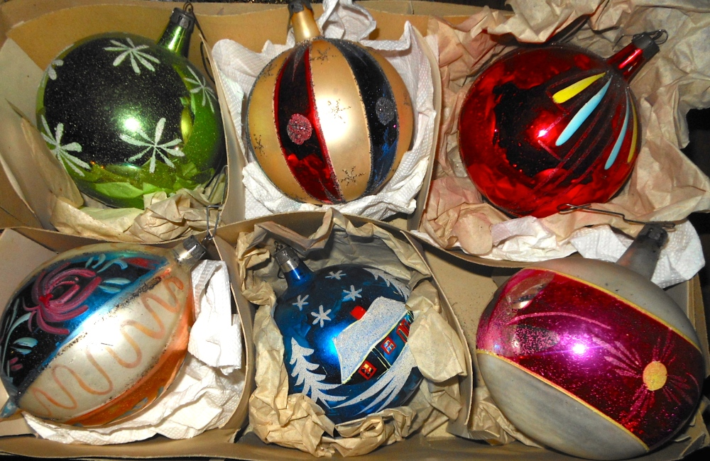 hand painted xmas decorations